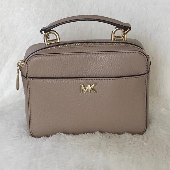 4477c7e521660f MICHAEL Michael Kors Bags | Hp Michael Kors Mott Mini Pebbled ...